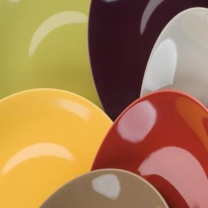 trouver des assiettes en couleur fabriqu es en france givors chez cathy bruno. Black Bedroom Furniture Sets. Home Design Ideas